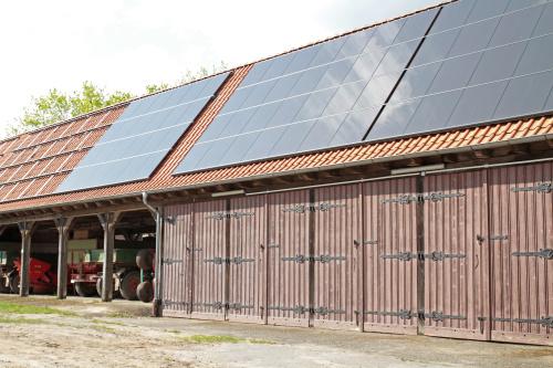 Solarmodule auf Scheune Wasseraufbereitung, Enthärtungsanlagen und weiches und kalkfreies Wasser von Kern Wassertechnik in Mömbris